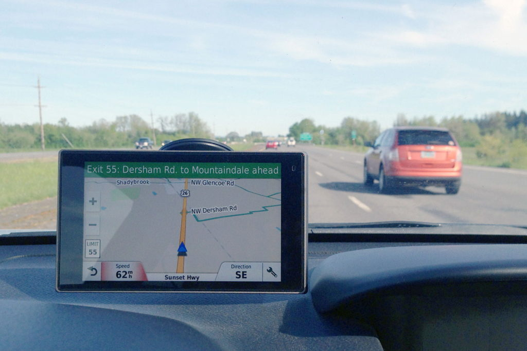 smartphone GPs in cars